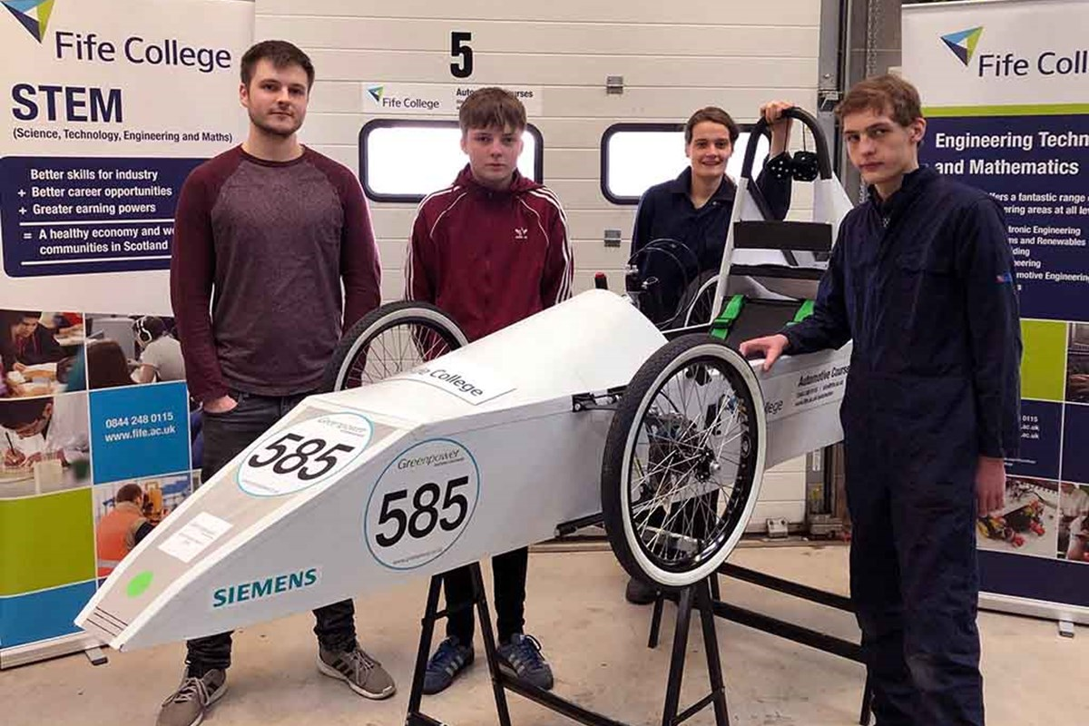 Students Race to First Place in Electric Car