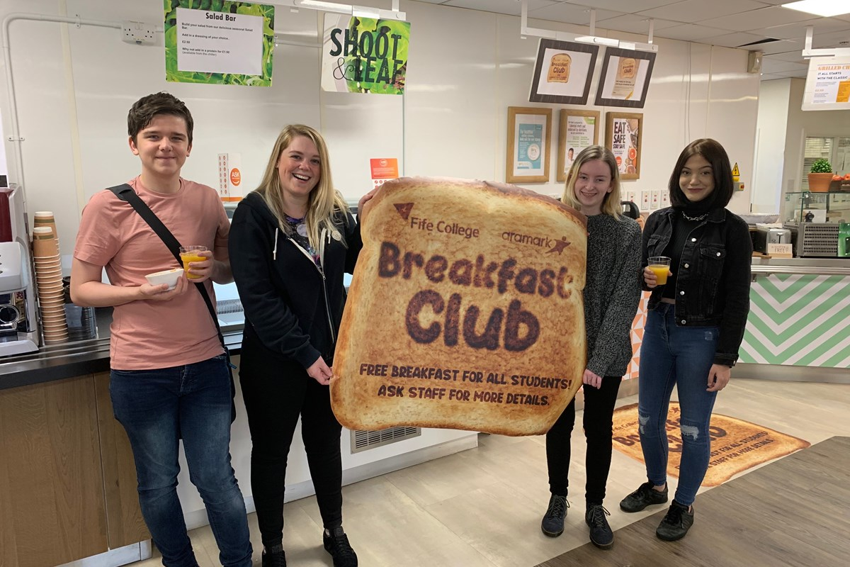 Free breakfasts for students