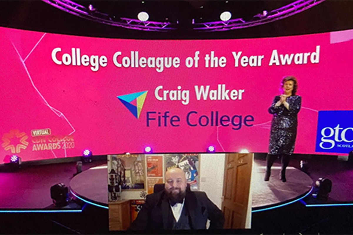 Fife College Students' Association Manager celebrates national award